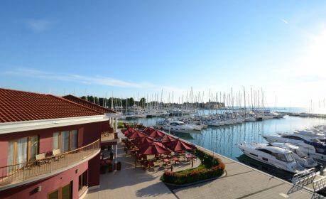 Hotel & Marina Nautica