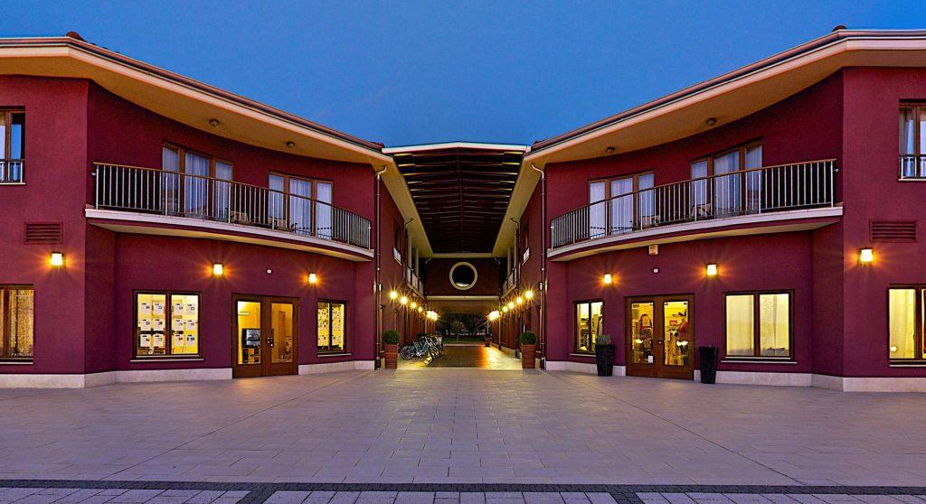 Hotel & Marina Nautica 360