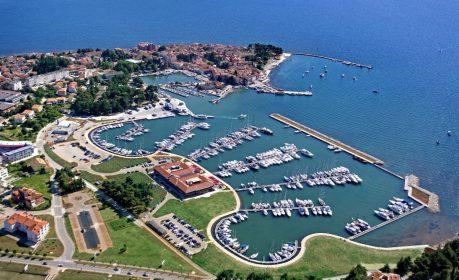 Hotel & Marina Nautica drone